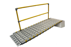 Modular access ramp with single handrail